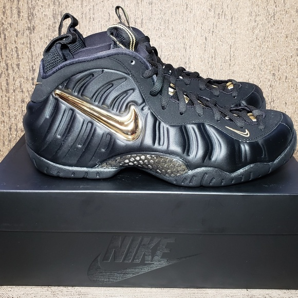 check out 8162e f3af7 Nike Air Foamposite PRO Black Metallic Gold Mens NWT